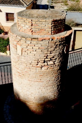 Visiting Aledo, The Torre de Homenaje and 20 million years of history