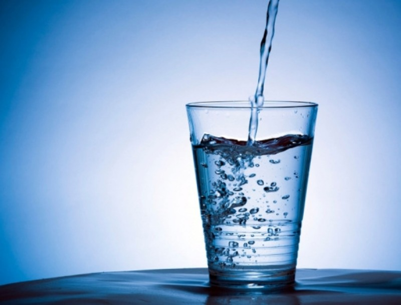 <span style='color:#780948'>ARCHIVED</span> - Medics advise drinking plenty of water as the heat stroke season reaches its peak