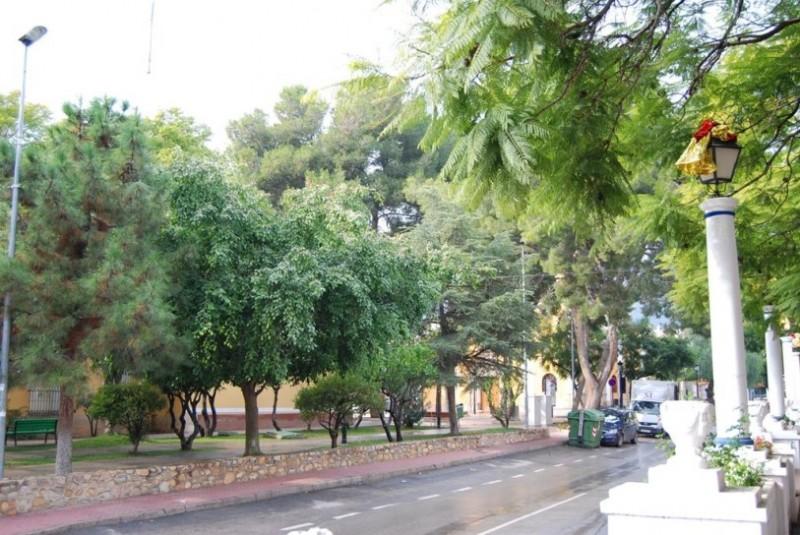 Plaza de las Américas and Casa Amarilla, Alhama de Murcia