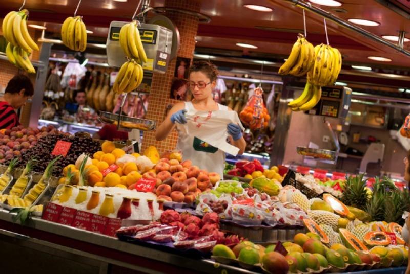 Weekly market and indoor food market in Alhama de Murcia