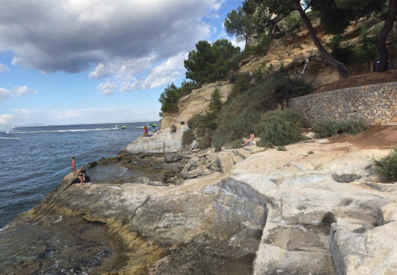 <span style='color:#780948'>ARCHIVED</span> - Yecla woman killed by falling rock at Mallorca beach