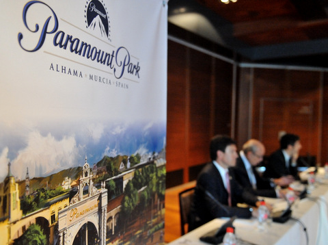 Paramount Park Alhama construction contracts awarded