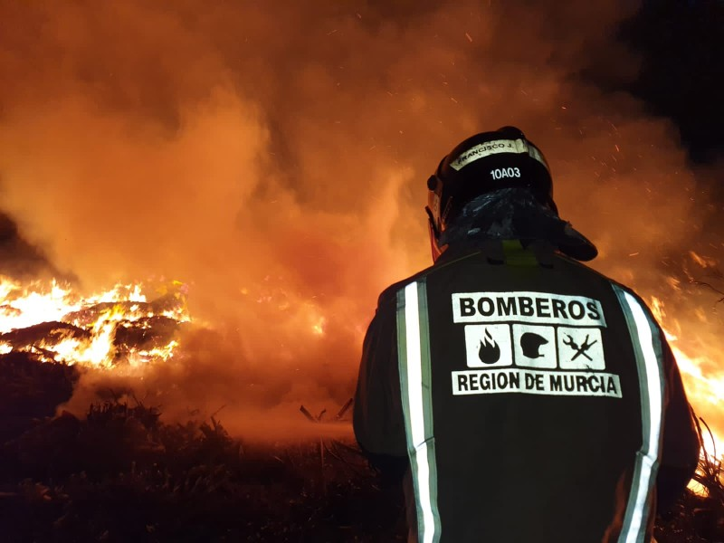 <span style='color:#780948'>ARCHIVED</span> - Firemen in San Javier called to voracious fire in vegetal waste recycling plant