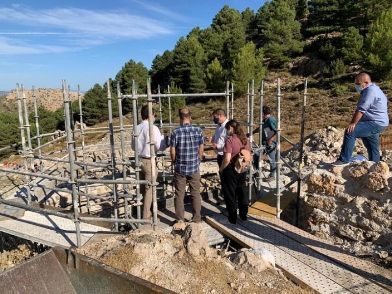Work underway to restore two more snow wells in the Sierra Espuña