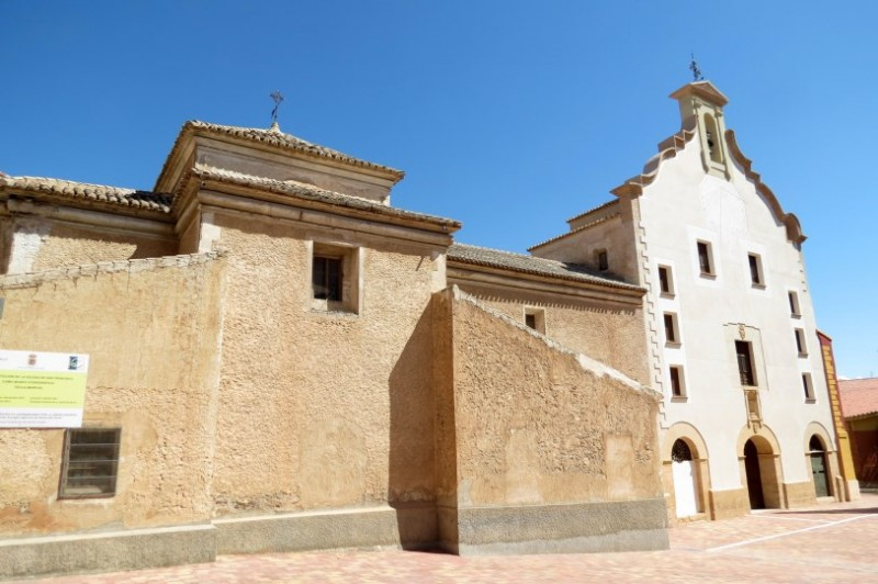 The church of San Francisco and the chapel of the Virgen de las Angustias in Yecla